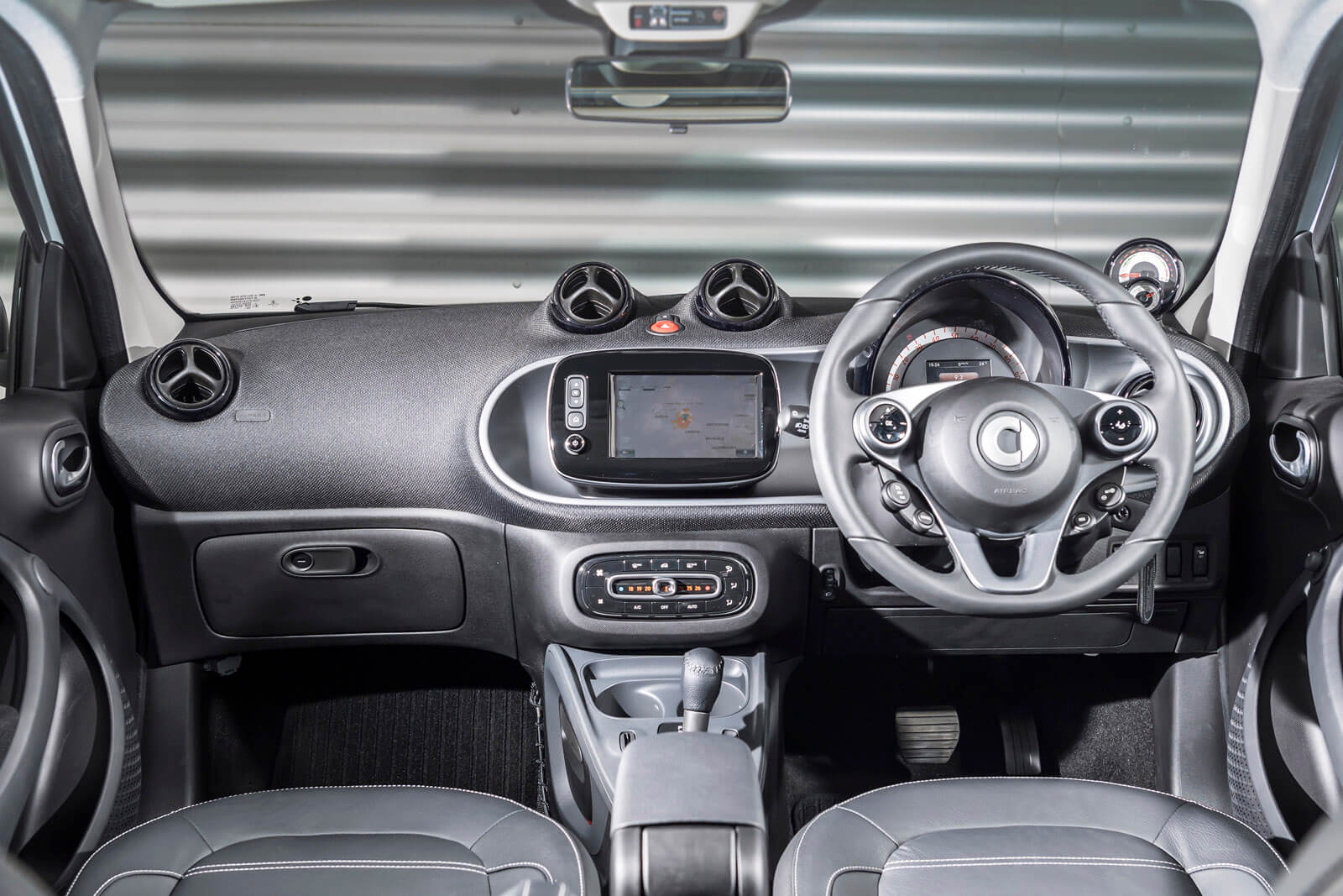 Smart EQ forfour Interior Front