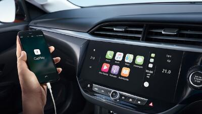 Apple CarPlay & Android Auto